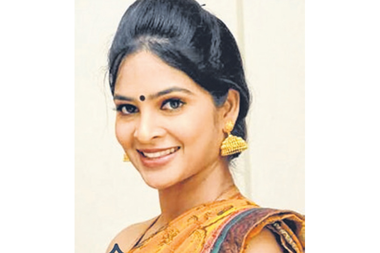 'மீடூ' பற்றி பேசிய அஜித் Cine%20%2001--12-2018%20mathumitha