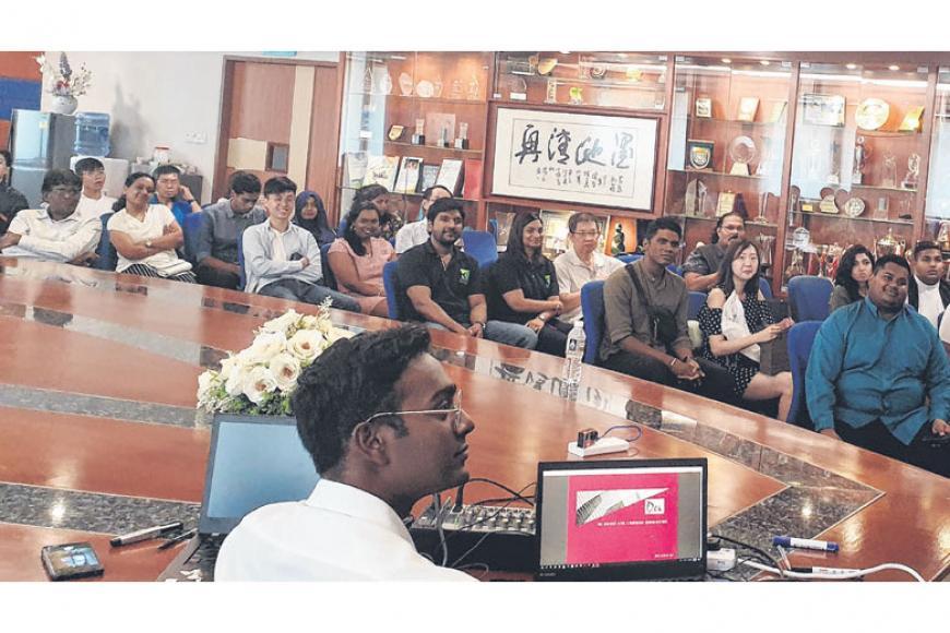 இளையர்களை ஈர்த்த இந்தக் கலந்துரையாடலில் 11 பேச்சாளர்கள் பங்கேற்றனர். படம்: இயூ டீ சமூக மன்றம்