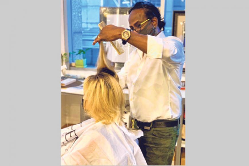 திரு ஆர். ராம், 58, 'பெர்ஃபெக் ஸ்டைல்' சிகையலங்கார நிறுவன உரிமையாளர்